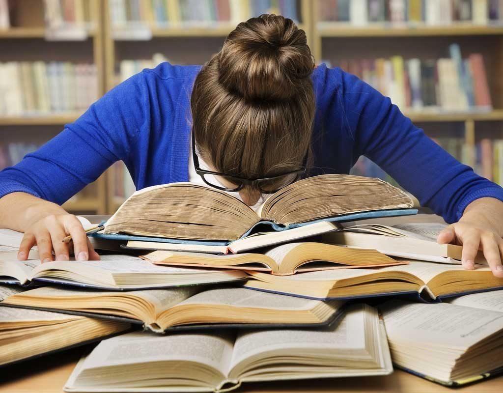 دختران ۲ برابر پسران در زمان امتحان دچار استرس