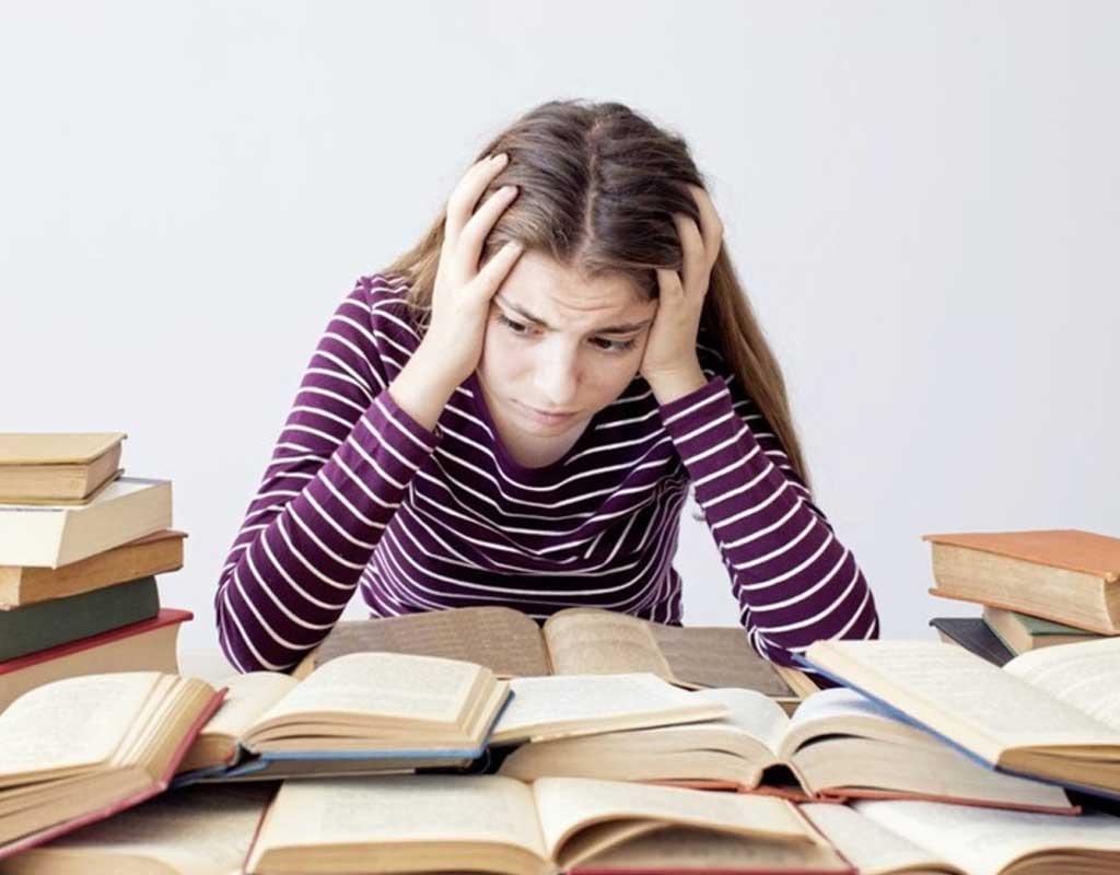 دختران ۲ برابر پسران در زمان امتحان دچار استرس میشوند