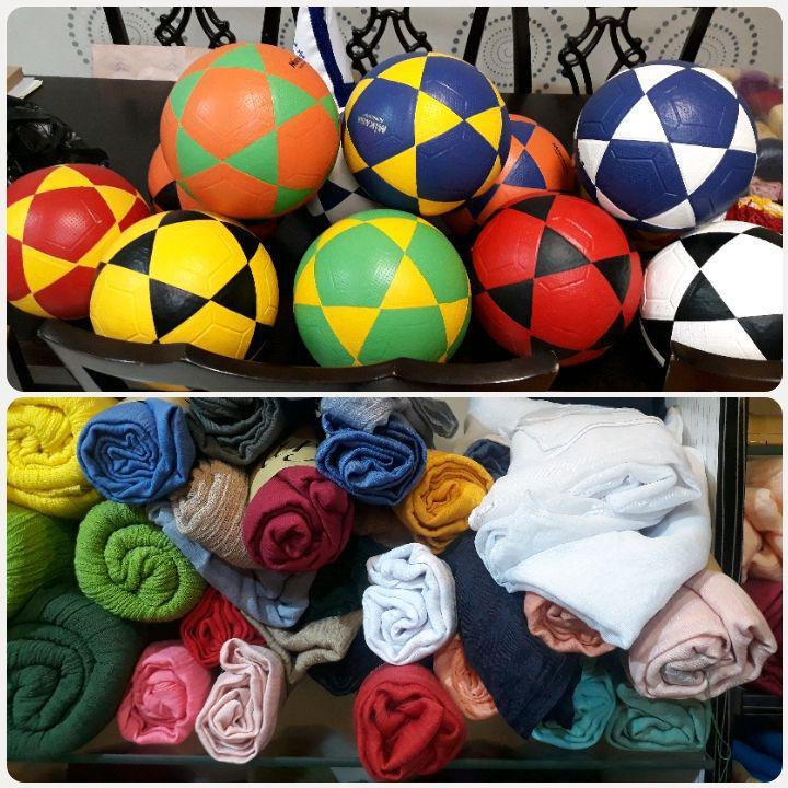 توپها و شالهای خریداری شده جهت هدیه دادن به کودکان عزیز مهرهستی امشب در ضیافت افطار انجمن